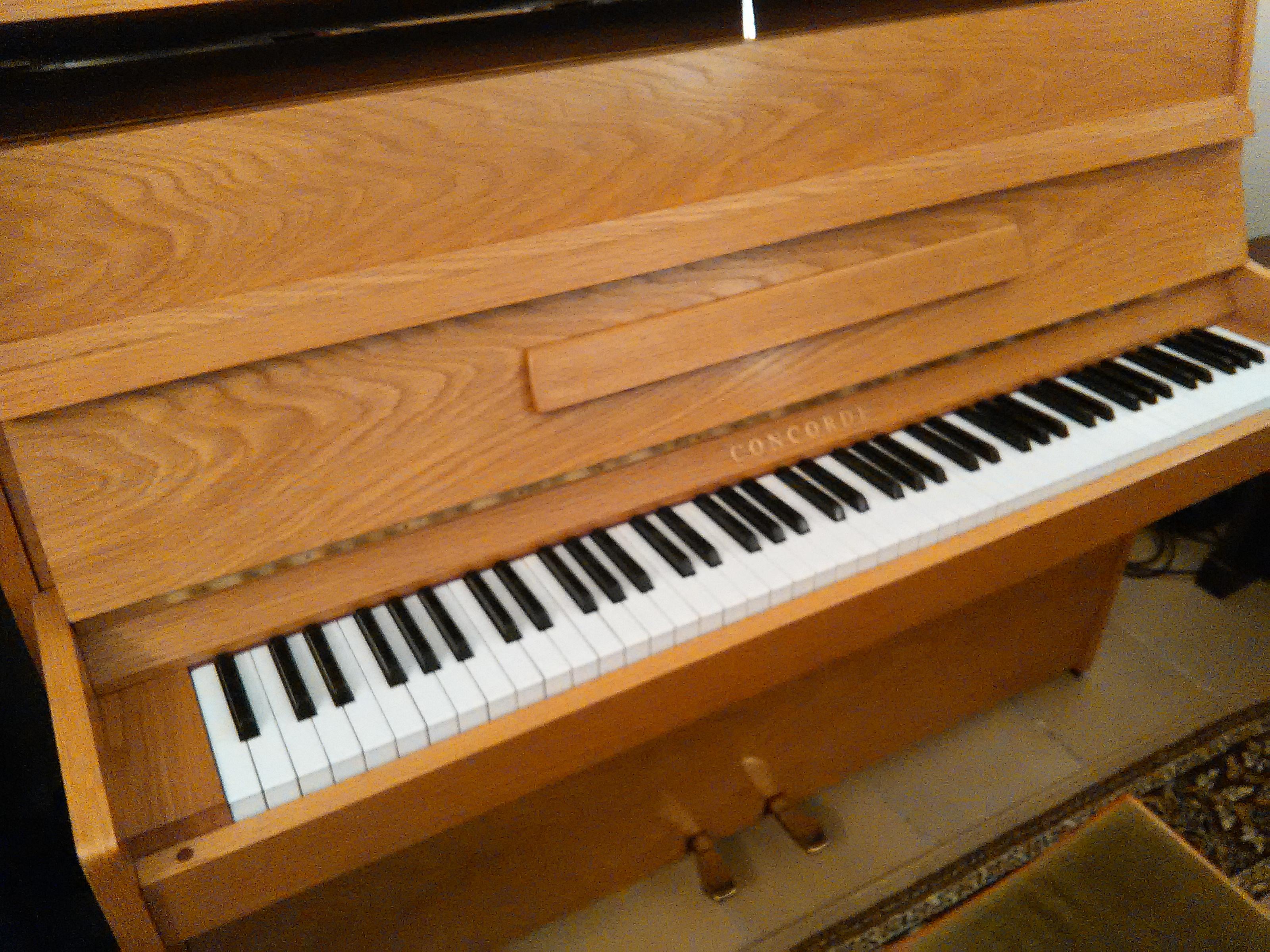 klaviere gebraucht klaviere fl gel klavierstimmung. Black Bedroom Furniture Sets. Home Design Ideas